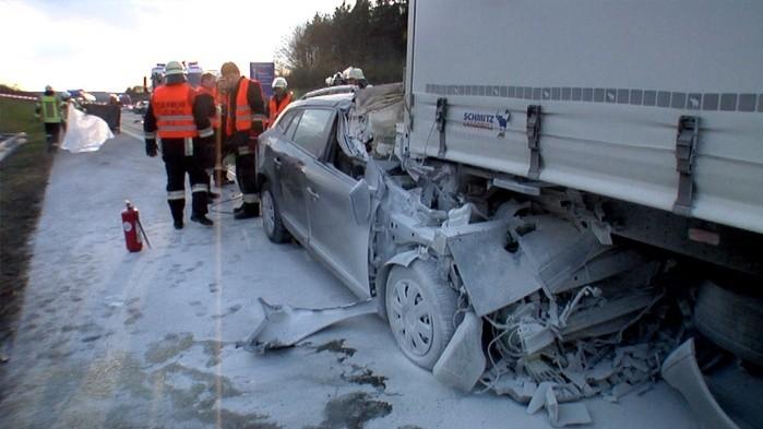 Autofahrer stirbt bei Unfall auf der A6