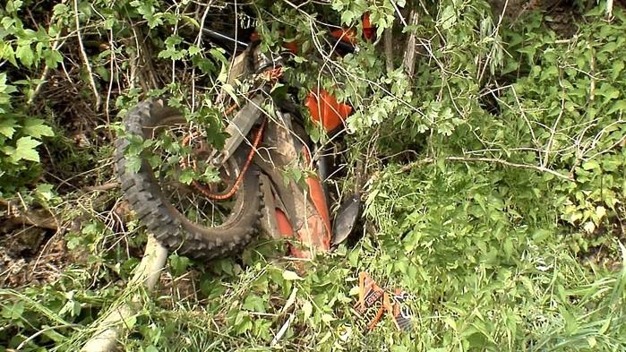 Kradfahrer (20) lag tot in der Böschung - wer kann Hinweise zum Unfallhergang
