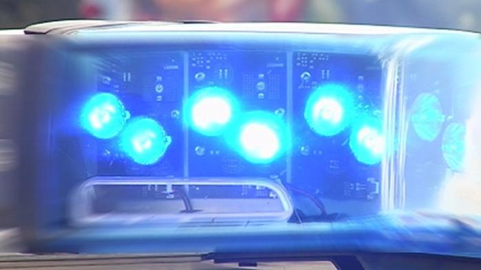 Autofahrer rast bei Kontrolle auf Polizisten zu